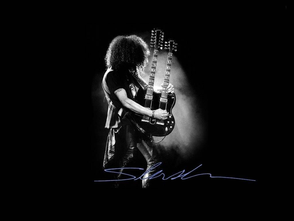 Guns N Roses Slash Was The Original Lead Guitarist Of Band After He Left In 1996 Just Fell Apart