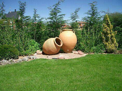 Pin De Ximena Yepes En Vasijas Ideas De Jardineria Decoraciones De Jardin Tinajas