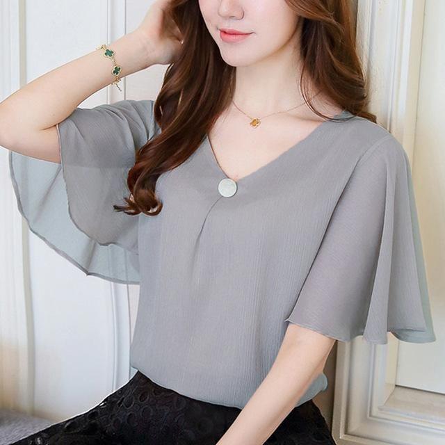 f61d1404fb5 Fashion 2018 printing chiffon women s clothing flare sleeve feminine tops  loose plus size 4XL women blouse shirts blusas D644 30