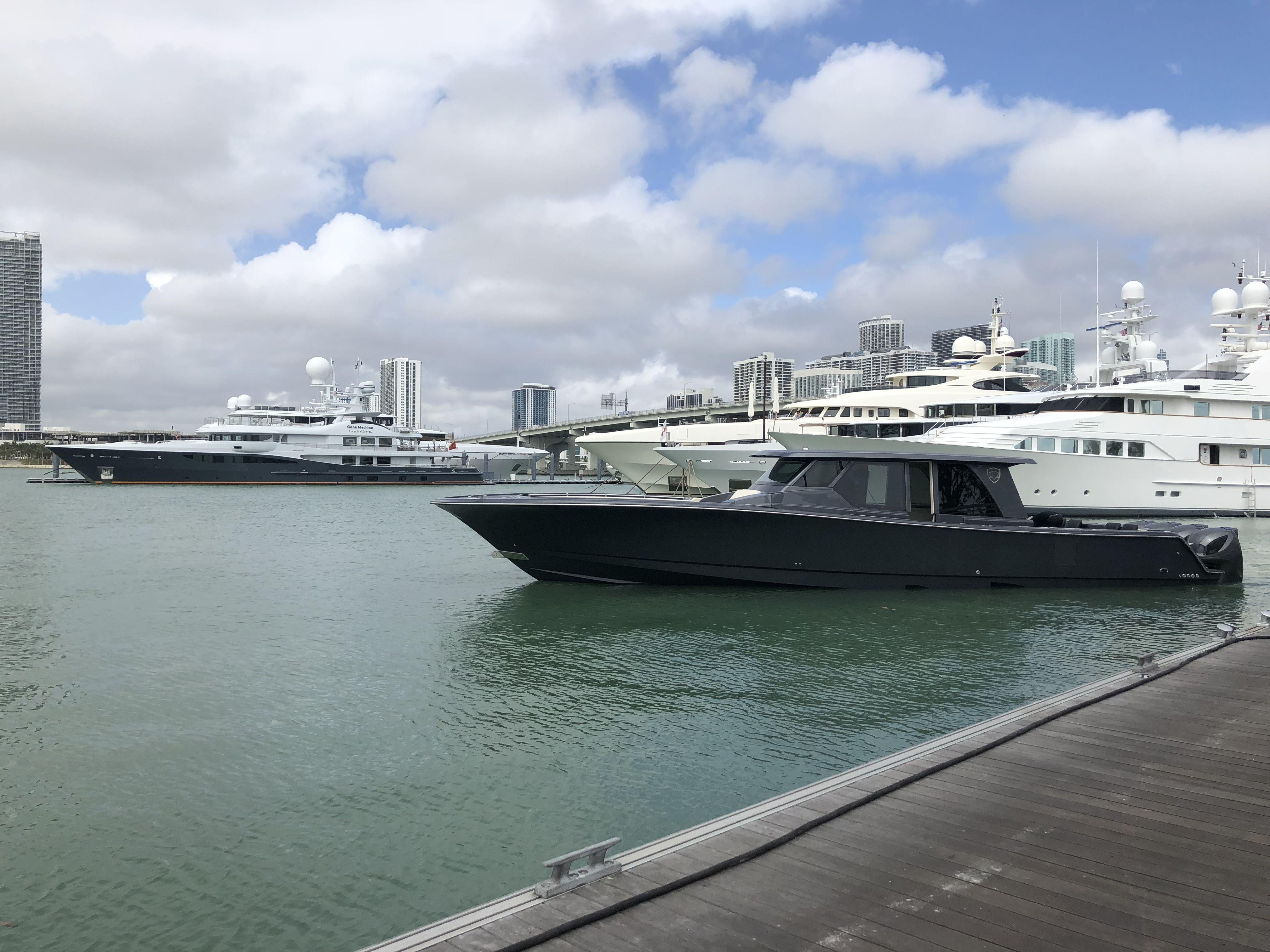 Gulfstream Yachts 52 yacht tender. Center console