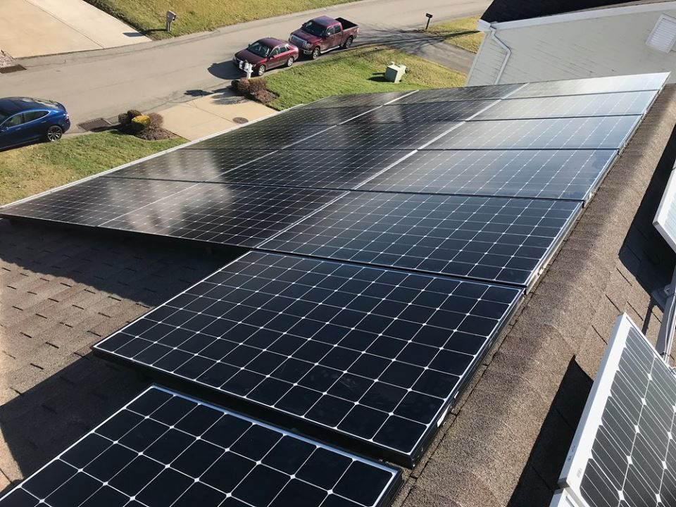 Solar Panels Are A Great Way To Invest With Returns Rivaling Those Of More Traditional Investments Like Stocks And Bonds Visit Solar Free Solar Solar Panels