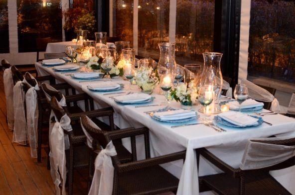 Elegant Crisp White And Teal Blue Table Decor