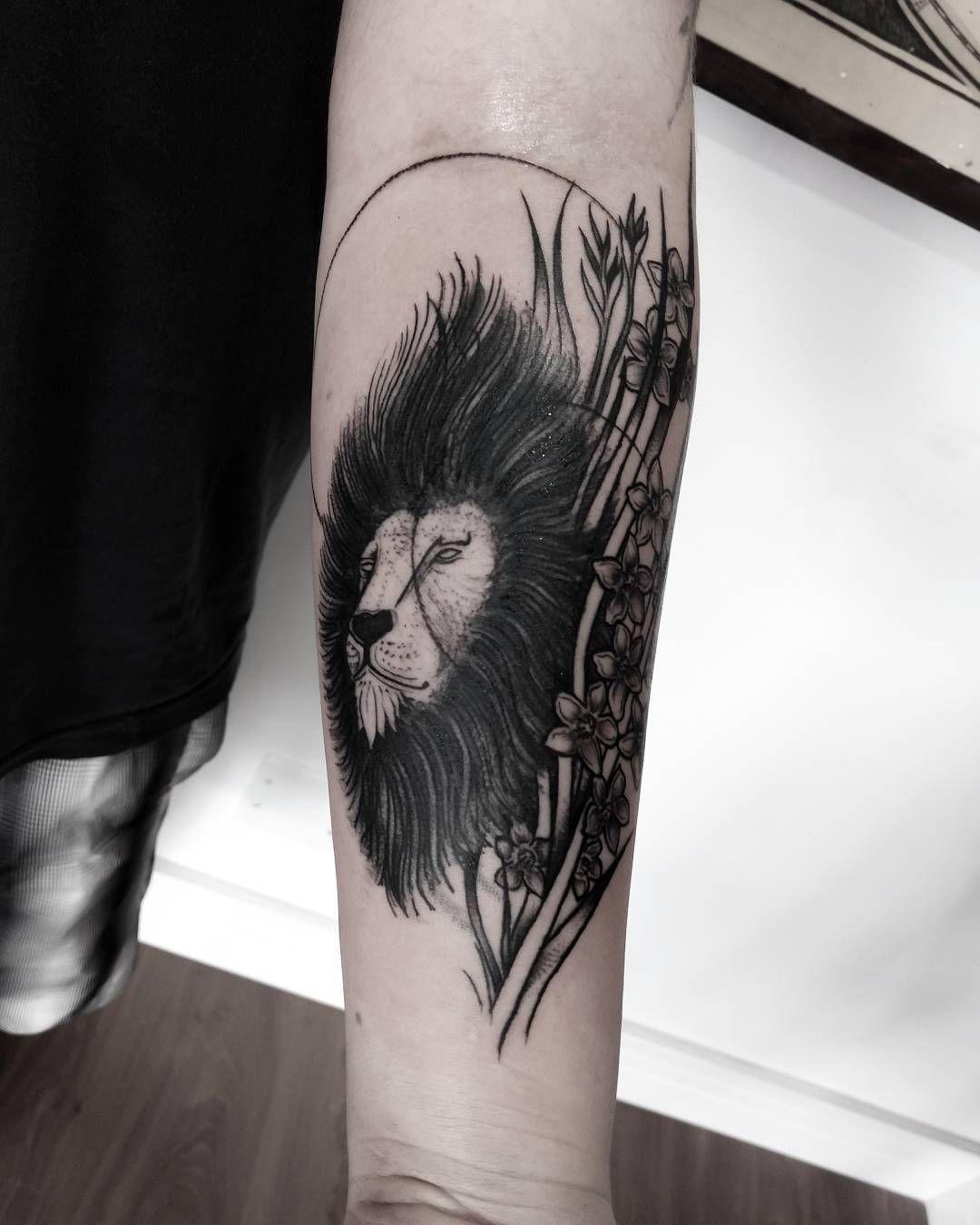 Photo of Bruno, tatouage de lion Löwe, tatouage Löwen, Großkatze, gros chat, tatouage blackwork, …
