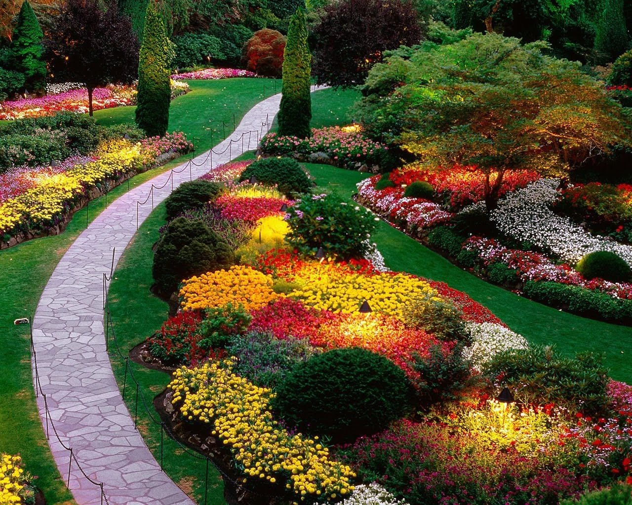spring flowers   far views   garden landscaping, sunken garden