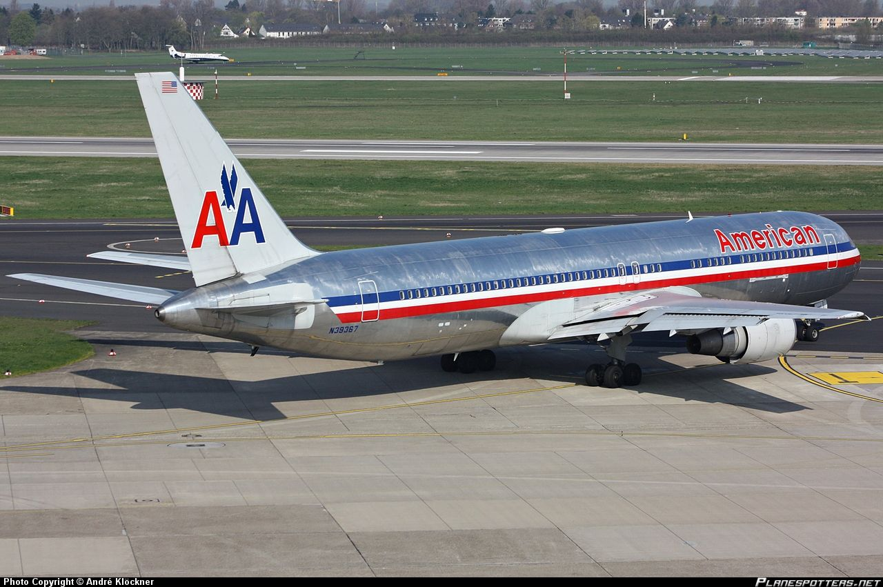 NEW AMERICAN AIRLINES NEW PLANES N39367 American