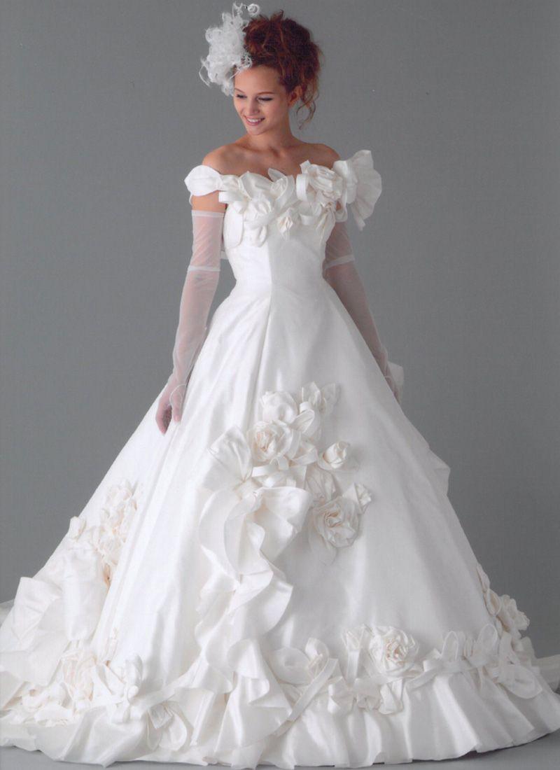 前後でデザインの異なる豪華なドレス - ヌーベルマリエ丸福