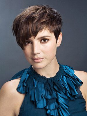 The Crop Love The Style Just Dont Think I Could Pull It Off Hair Styles Celebrity Hair Stylist Short Hair Styles