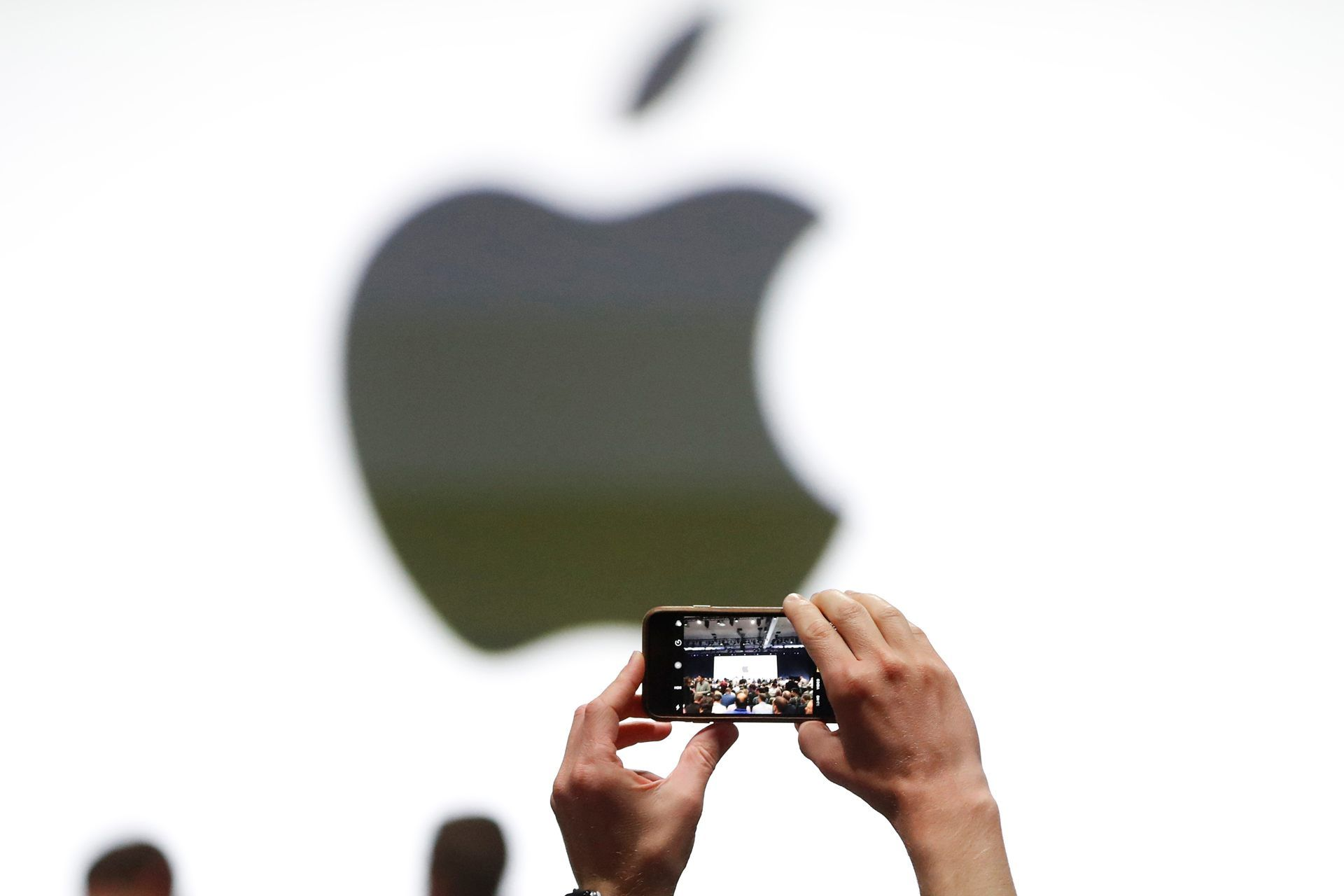 Apple plans to resolve China iPhone ban with a software