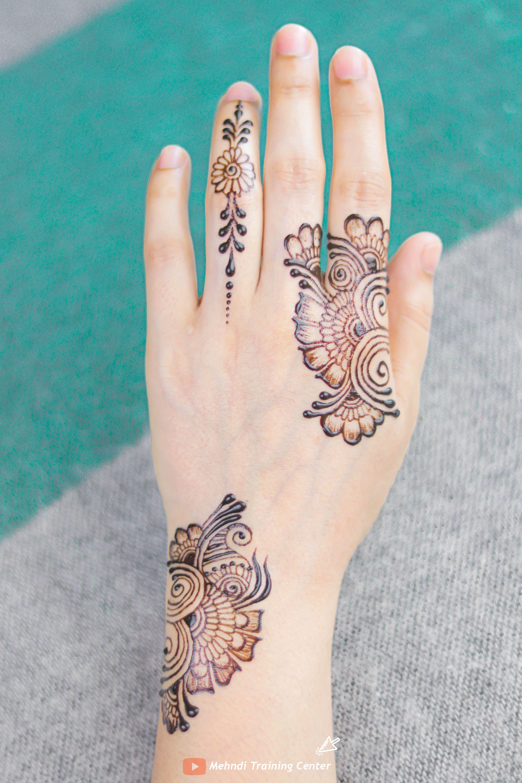 نقش الحناء فيديو سهل و جميل نقش الحناء خطوة بخطوة نقش الحناء البسيط Henna Hand Tattoo Hand Henna Henna