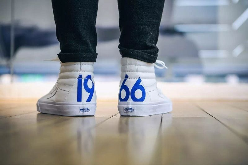 dcd6195000 Vans Fans Sk8-Hi 1966 limited to help small white shoes 36-4412  Vans