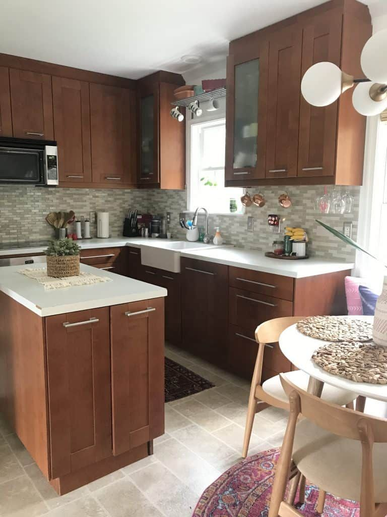 You can PAINT kitchen cabinets! It's easy and it can make ...