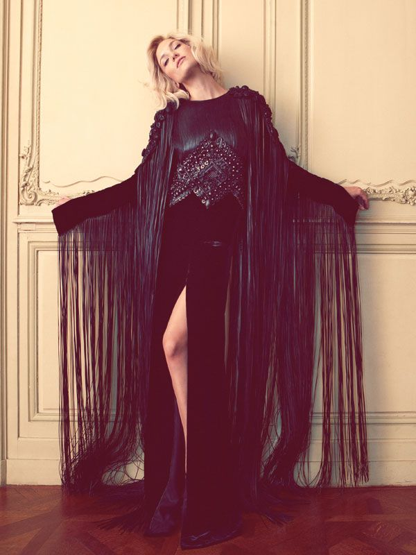 #KateHudson in Givenchy Haute Couture by Riccardo Tisci.