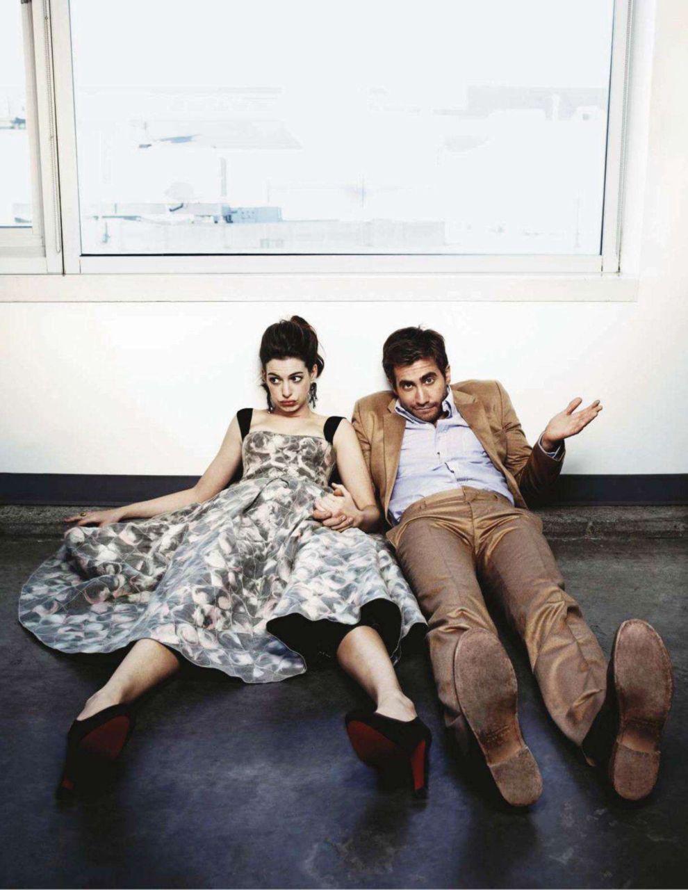 Jake Gyllenhaal Anne Hathaway With Images Jake Gyllenhaal
