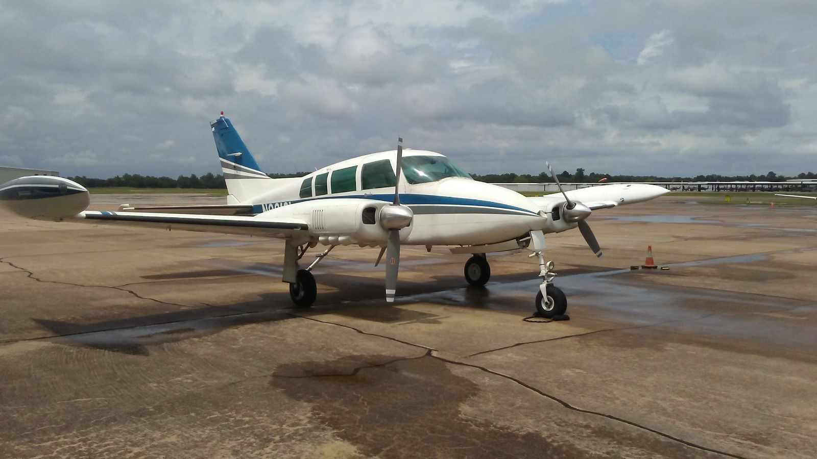 Great condition 1963 Cessna 320 aircraft