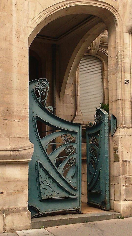 Art Nouveau lu0027entrée de la maison Biet, à Nancy Des courbes