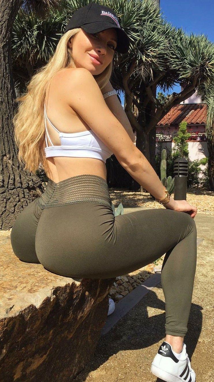 Pin on hot girls in leggings..