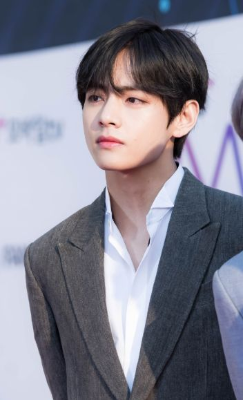 이슈 정보 모아모아 방탄소년단 뷔 다체로운 머리색 완벽소화 V Taehyung Taehyung Imagens Bts