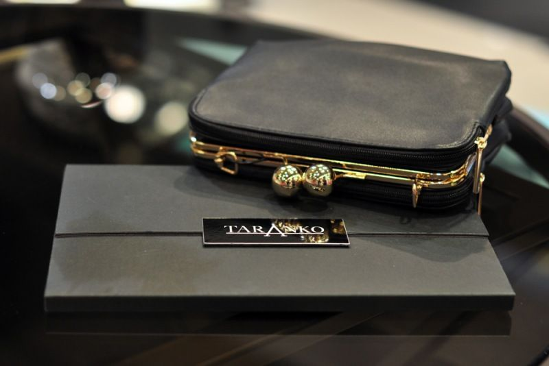Taranko Signature is a modern line for independent women. Pure fashion, fun, elegance and quality!