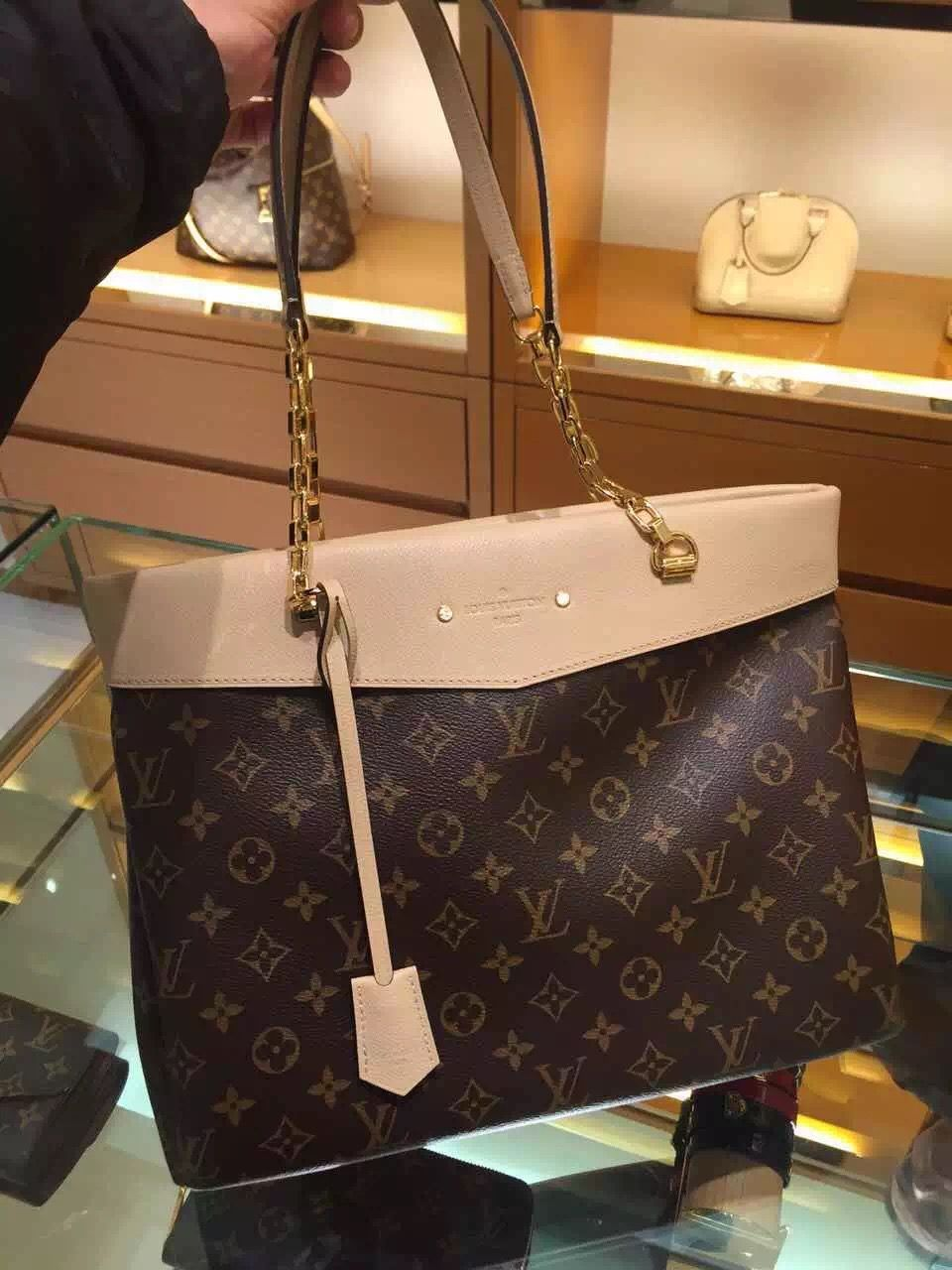 dc8cf7e7b0ac Louis Vuitton Pallas Shopper Bag M41580 Dune