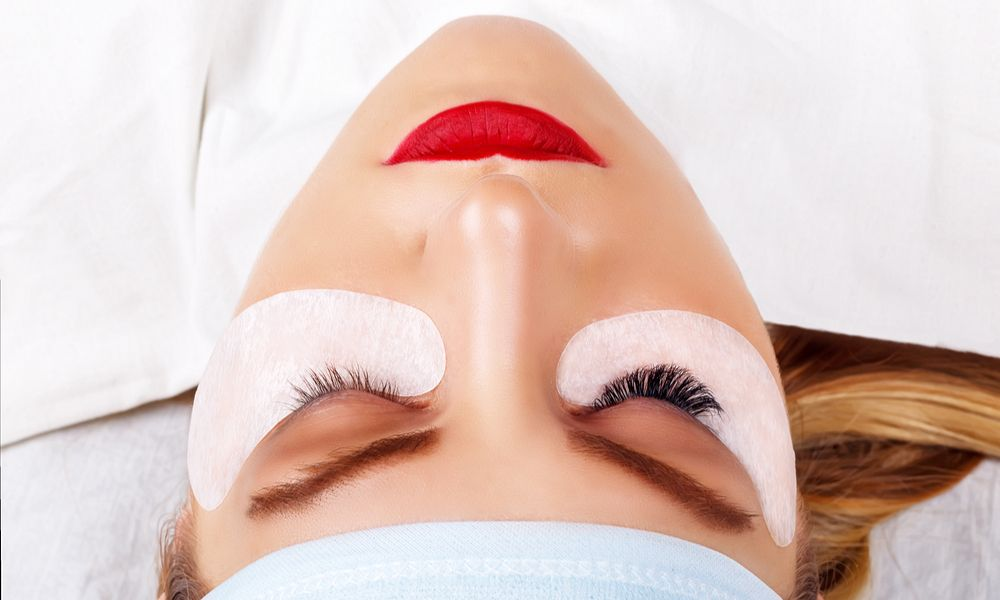 can you take off lash extensions at home