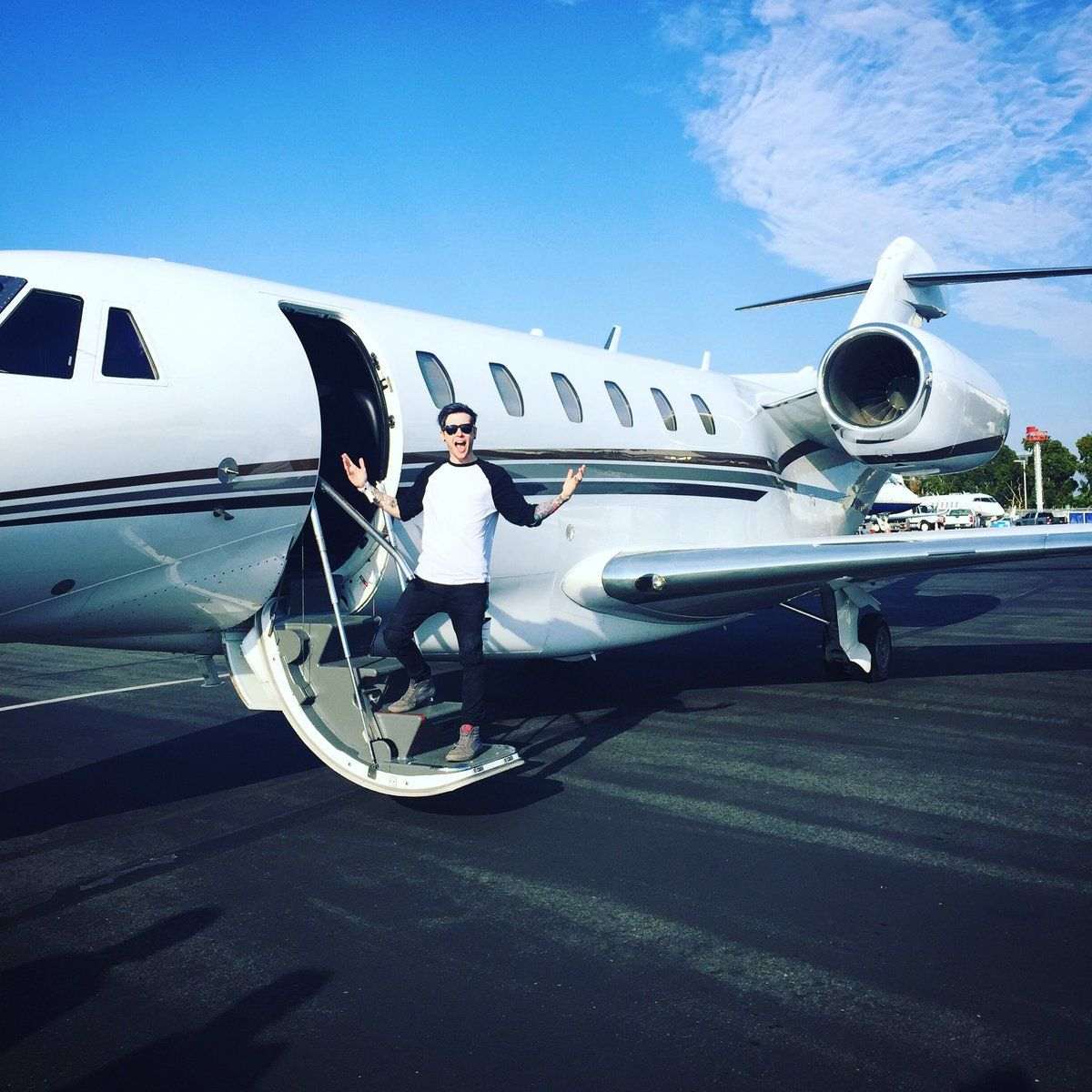 Phenom 300 cockpit phenom executive jet line leaders of innovation - Embraer Phenom 300 Follow ____tycoon____ Photo From Embraerexecutivejets Privatejets Planes Private Jets Pinterest Planes And Private