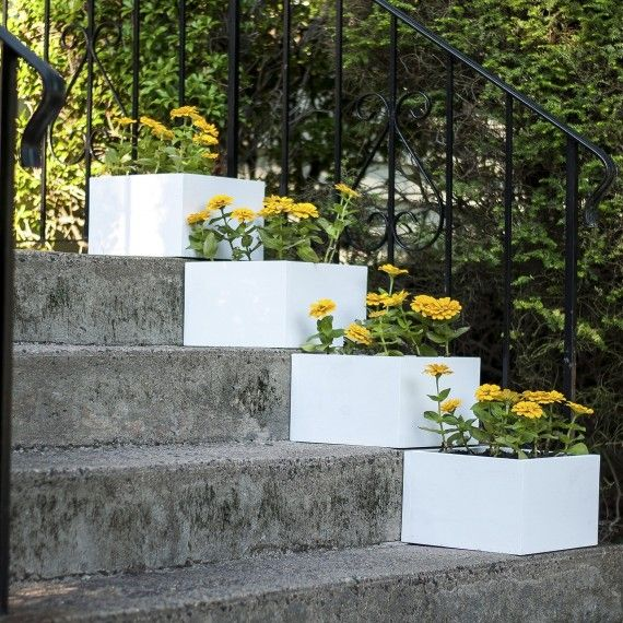 Simple Vertical Garden: A Simple Vertical Garden: How To DIY Stair Step Planters