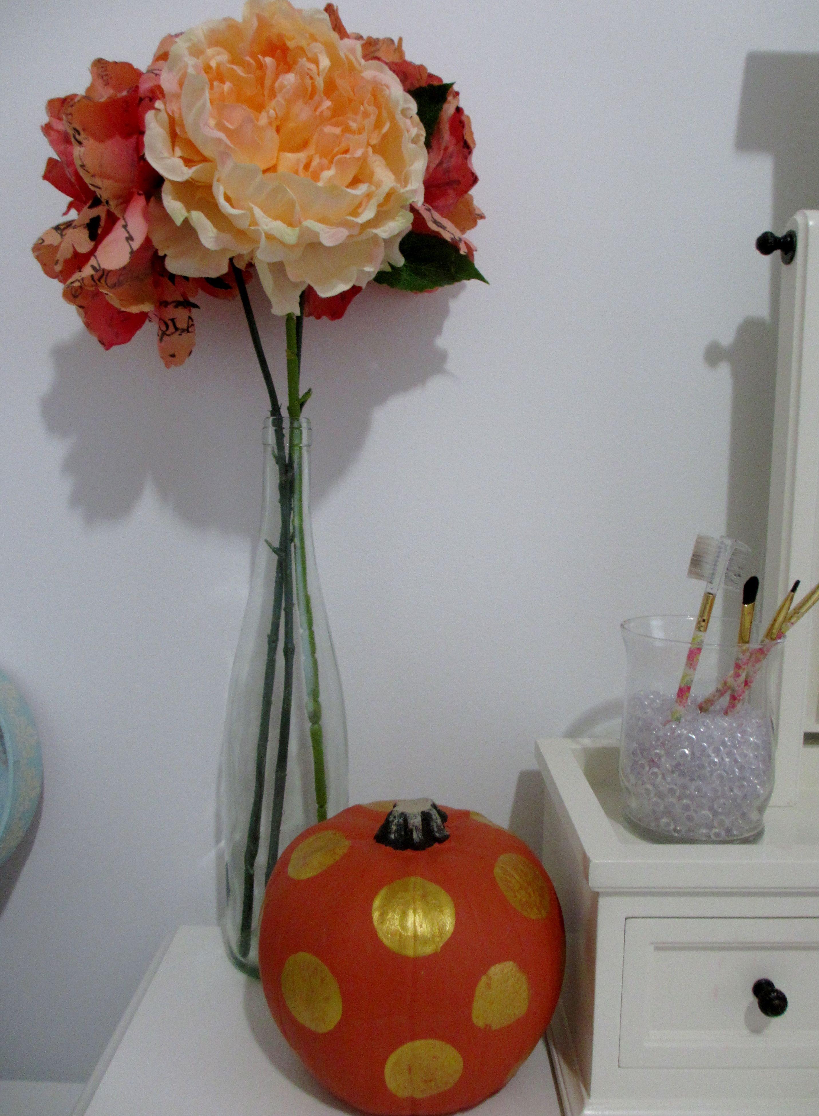 DIY Gold Polka Dot pumpkin from www.creativity52.com