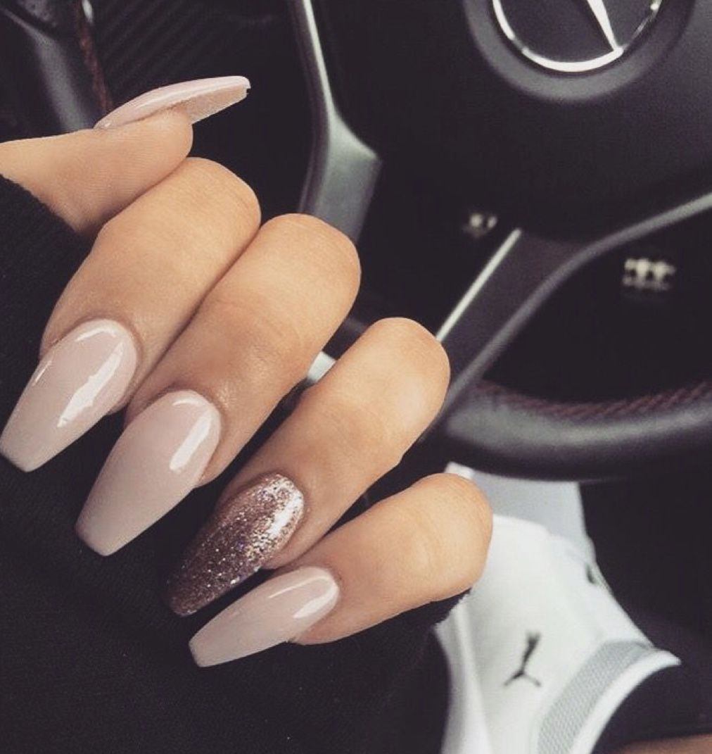 14 Fabulous Ways to Wear Mismatched Glitter Nails