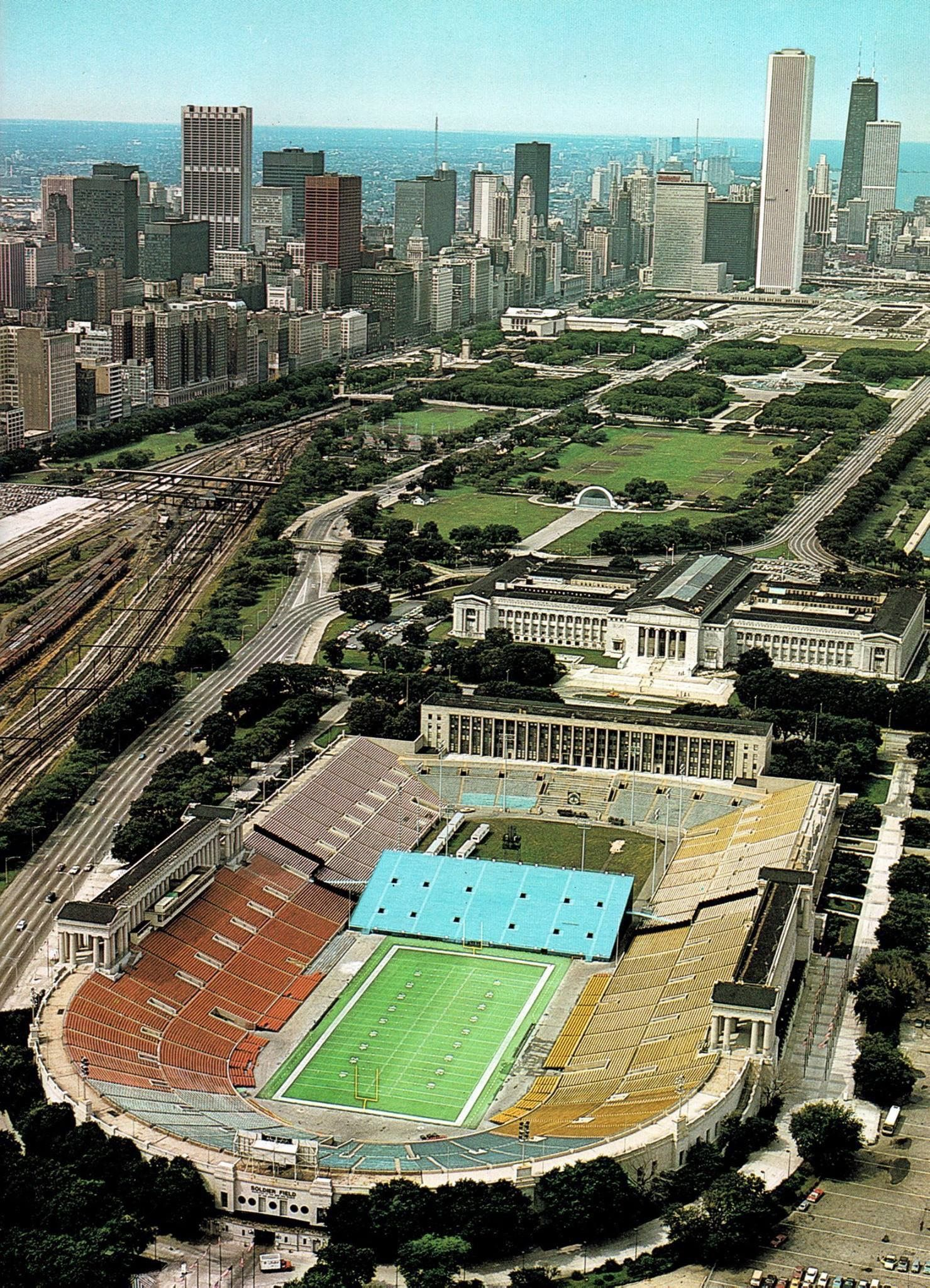 old soldier field chicago i love my town chicago. Black Bedroom Furniture Sets. Home Design Ideas