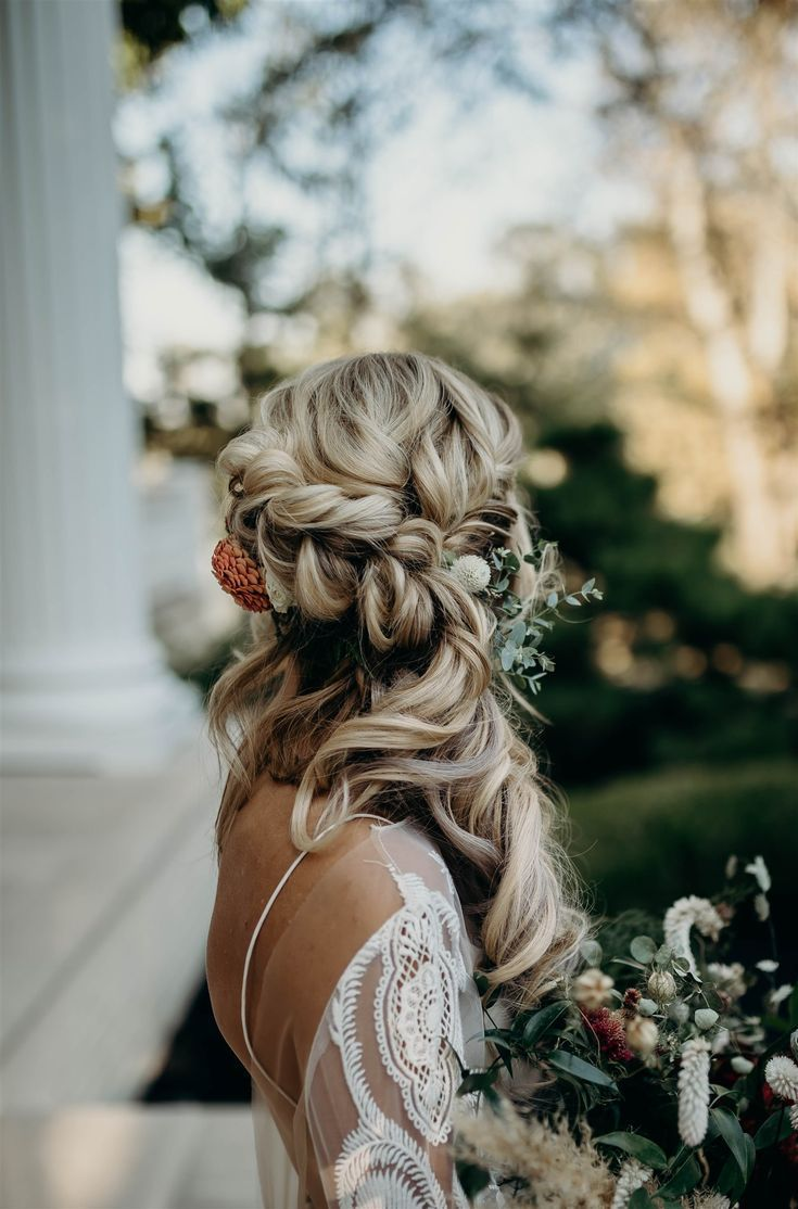 Boho Winter Wedding Styled Shoot by Riley Gardner Photography - Nashville Bride Guide -   17 wedding style Guides ideas