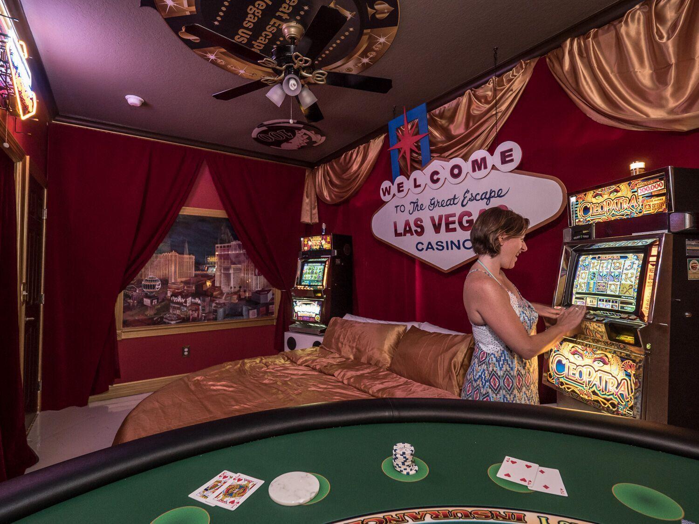 Las Vegas Casino Games Master Suite 2 at Florida Disney