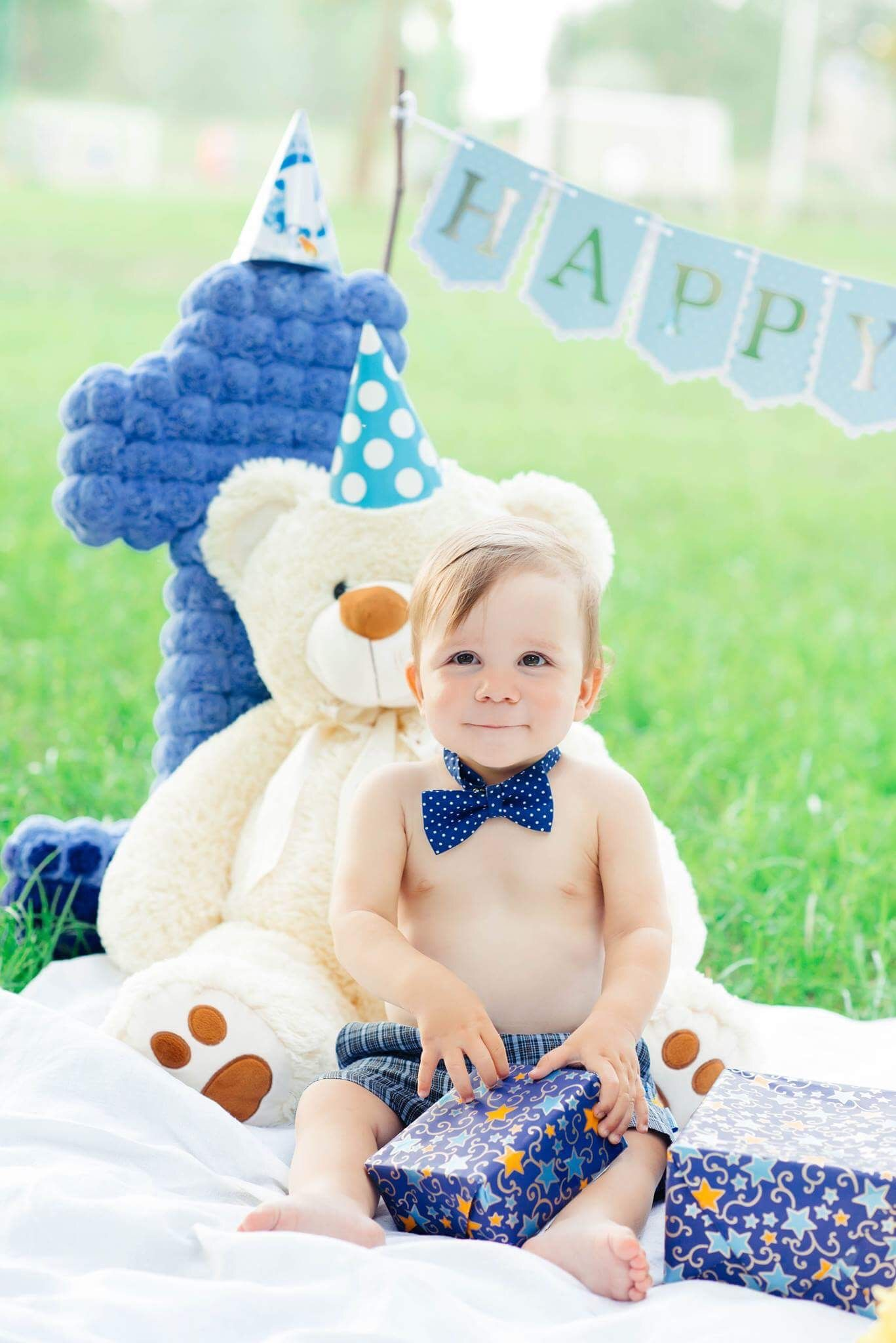 Baby Boy Birthday photo shoot. First birthday photo shoot