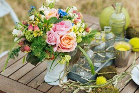 Romantischer Ausflug ins Grüne Laboda Wedding Photography http://www.hochzeitswahn.de/hochzeitstrends/romantischer-ausflug-ins-gruene/ #shooting #decor #mariage