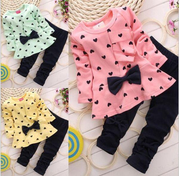 Neue Ankunfts-Frühlings-Herbst-Kind-Baby Heart-shaped 2PCS Kleidungs-Ausstattun…