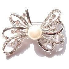 Pearl bow