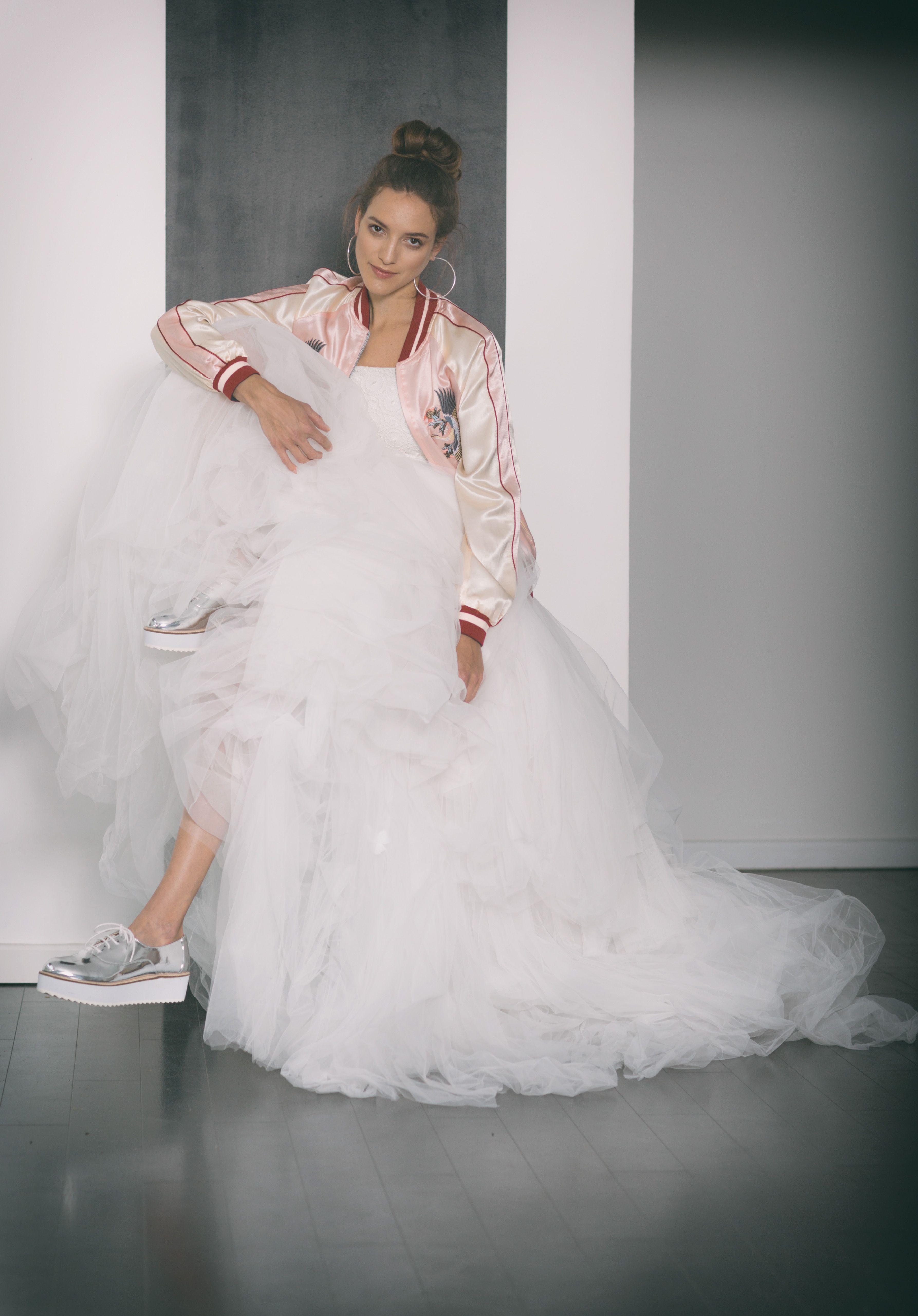 Look: THE COOL BRIDE // Brautkleid: ROMINA // Stylist: Karolina
