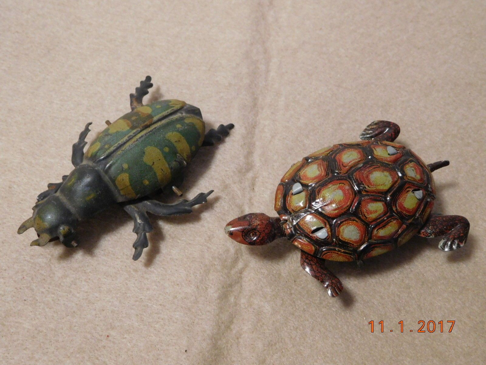 wheels turtle toy Vintage tin with