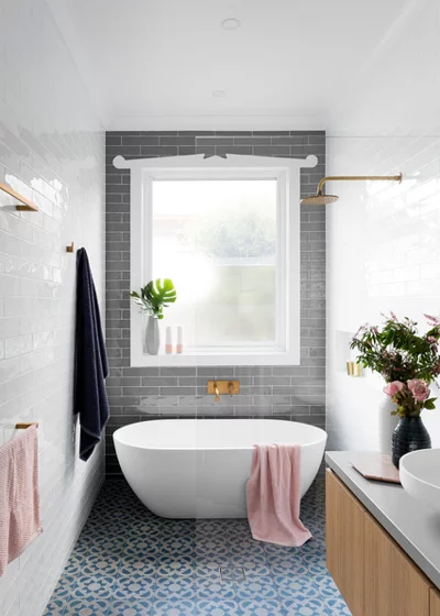 9 Small Bathroom Challenges and How to Solve Them Fit in a shower and bath Problem: There's not enough space for the separate shower and bath you've always wanted.   Solution: In this cleverly designed wash space, a wet room floor means there's no need for a dedicated shower enclosure. Instead, the designers have installed a showerhead next to the bath. A neat screen divides the space from the rest of the room, but the transparent glass keeps it looking airy.  Planning a wet room? Here's what to #wetrooms