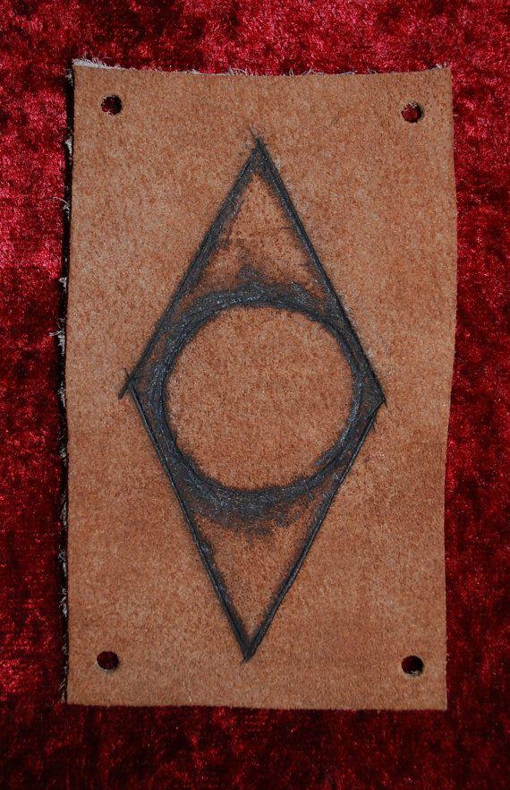 Shadow mark thieves guild leather patch skyrim also geekism elder rh pinterest