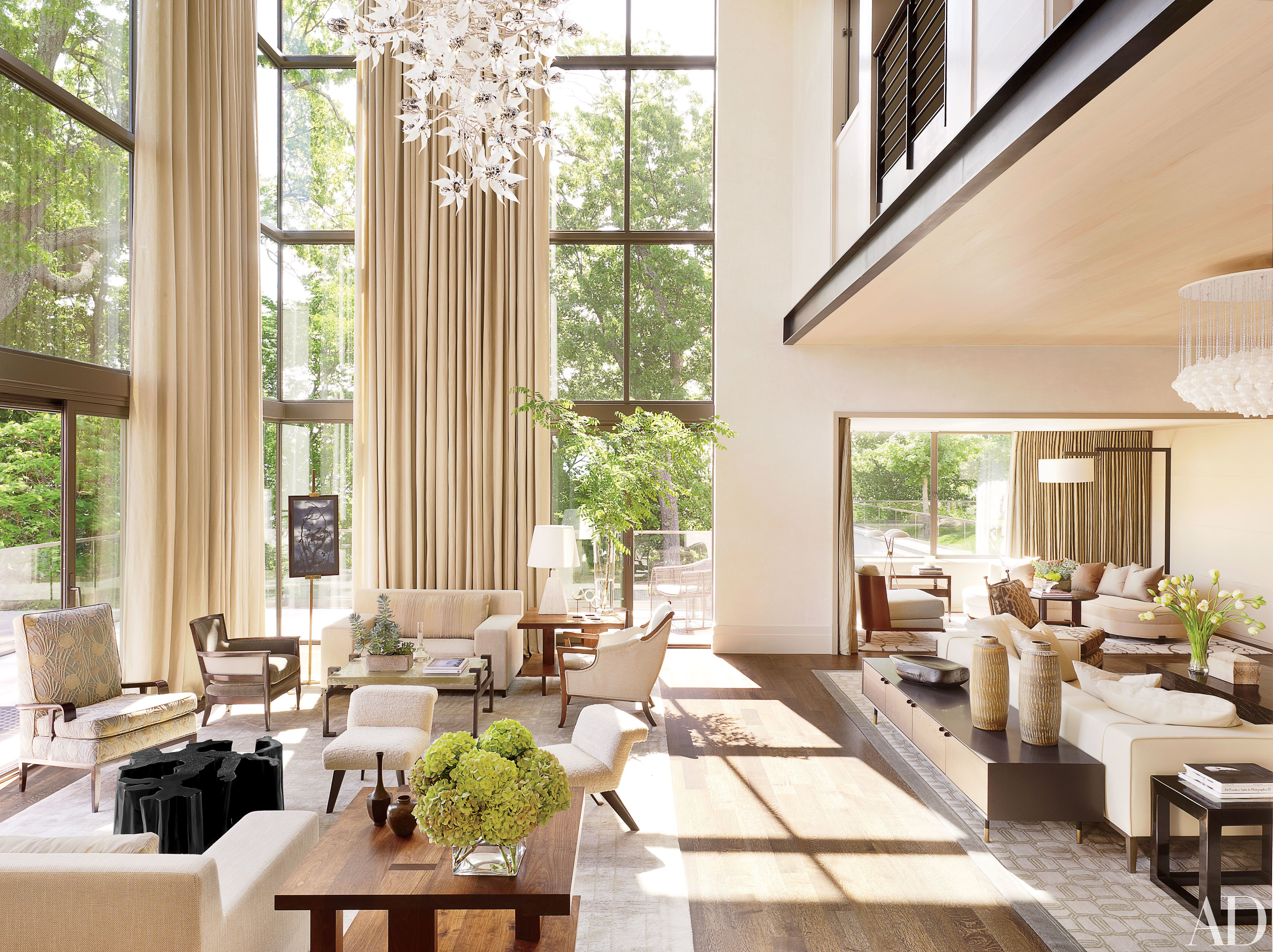 19 Gorgeous Rooms With Double Height Ceilings High Ceiling Living Room Contemporary House Contemporary Decor