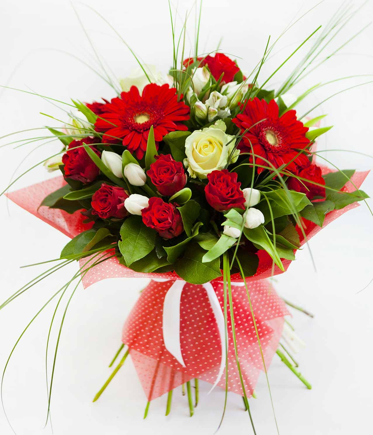 Make someone feel happy and send flowers to Kochi. Flower