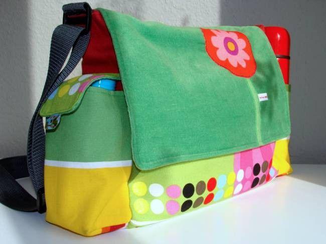 Anleitung zum Nähen einer Wickeltasche bzw. praktischen Alltagstasche für Mütter mit viel Stauraum