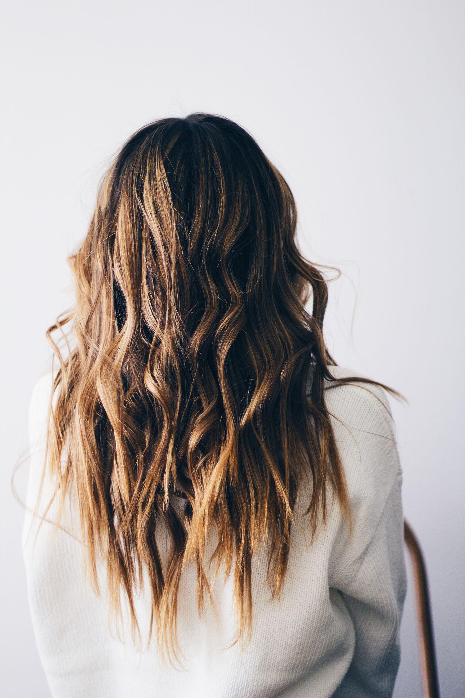 beachy waves hair tutorial - www.lindsaymarcella.com