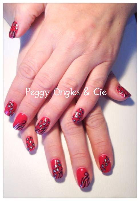 ongles gel uv couleur rouge avec motif peint la main peggy ongles cie pinterest gel. Black Bedroom Furniture Sets. Home Design Ideas