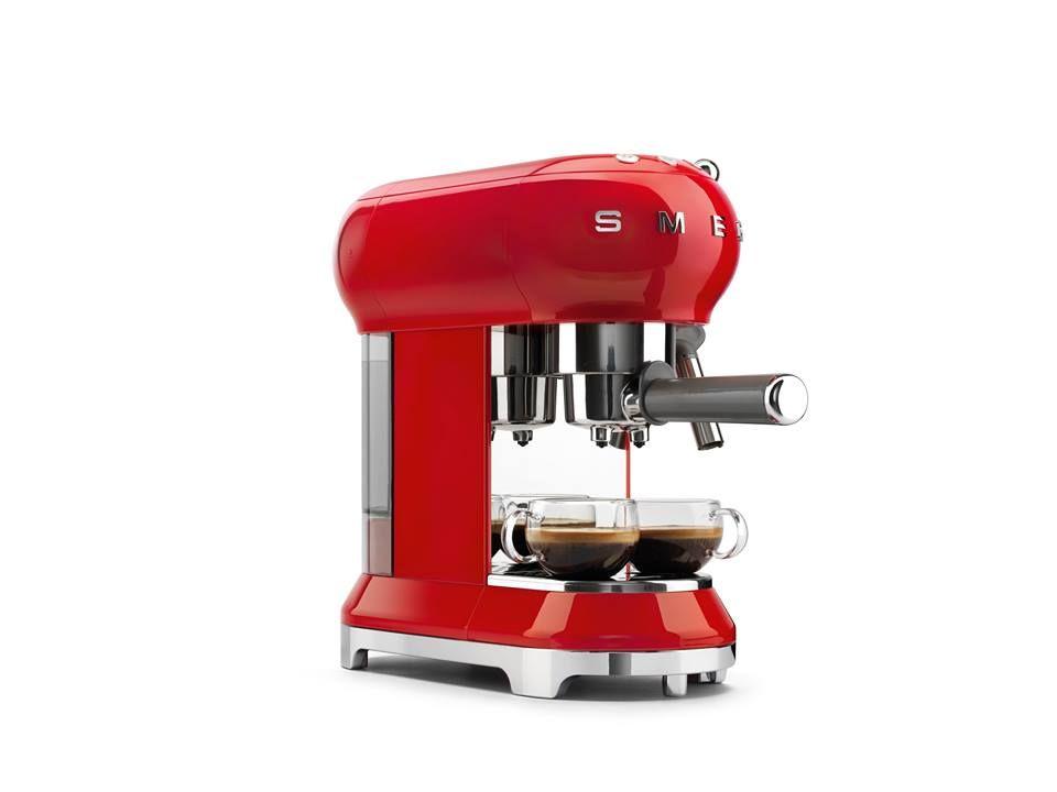 Smeg Deutschland neu im handel unsere espresso kaffeemaschine kleine küchenhelfer