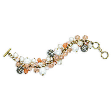 #chloeandisabel #heirloompearl  #bracelet #armcandy Heirloom Pavé Toggle Bracelet $58  Shop now https://www.chloeandisabel.com/boutique/ursulaball#21042