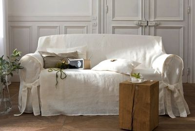 mettre en valeur mon vieux canap avec des plaids. Black Bedroom Furniture Sets. Home Design Ideas