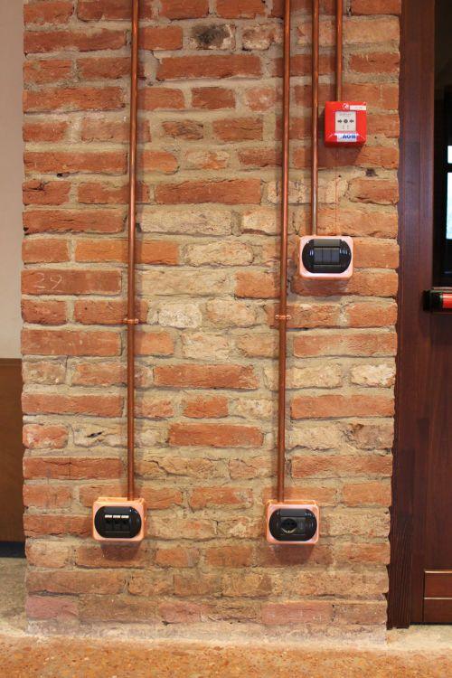 04 impianti a vista in rame impianto elettrico - Tubi a vista in casa ...