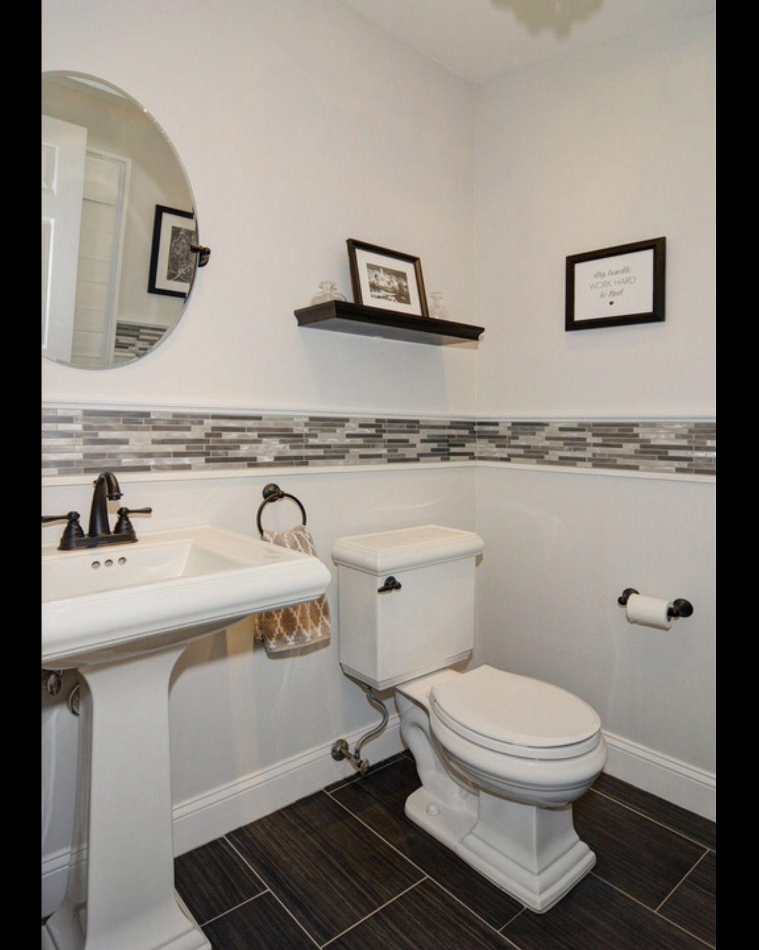 Bathroom Borders Design 2017: Like The Tile Border And The Floor