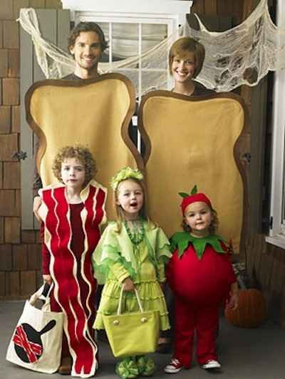 BLT   32 Family Halloween Costumes That Will Make You Want To Have Kids